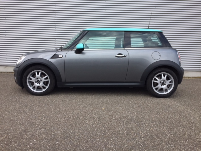 MINI COOPER D, automatic, low milage.