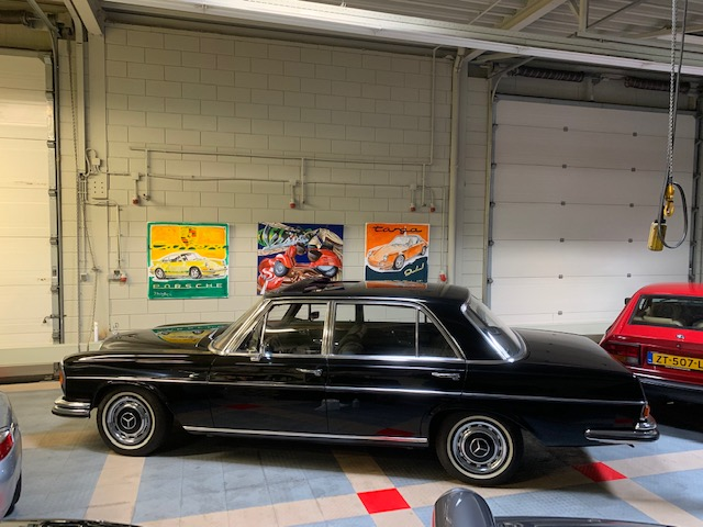 Mercedes-Benz 300SE L  3.5  from 1970  black