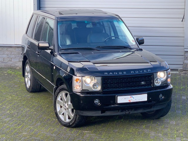 RANGE ROVER VOGUE  4,4i  Black with black interior. Very nice condition